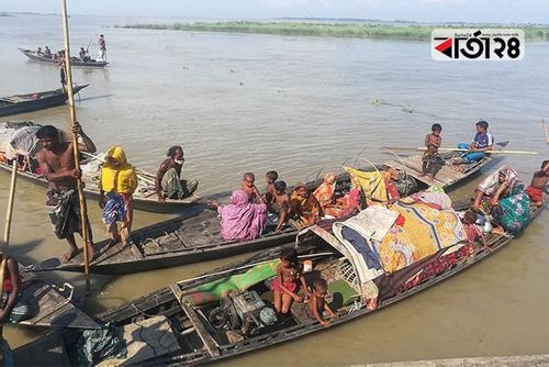 About three hundred families now live on boat in Ulipur