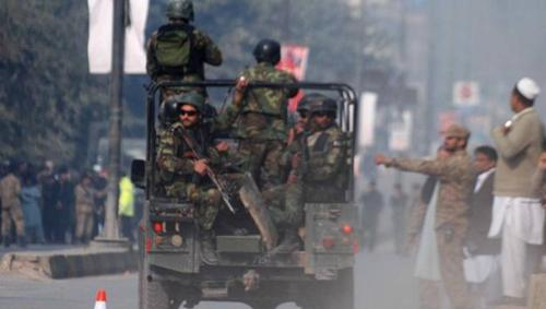 Attacks on security forces in Pakistan kill 10 soldiers