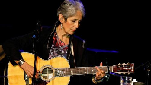 Joan Baez says goodbye to stage