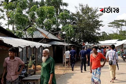 মাইকিং করে বাজারে হামলা, ভাঙচুর-লুটপাট