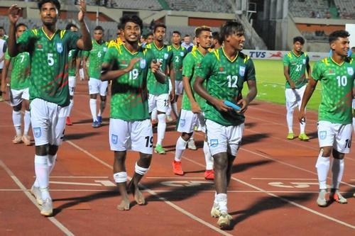 পাঁচ ধাপ এগিয়েছে বাংলাদেশ ফুটবল দল