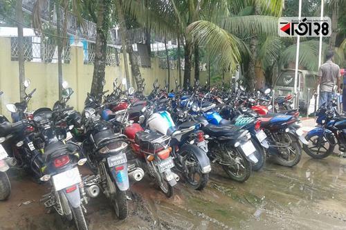 হবিগঞ্জে শতাধিক মোটরসাইকেল আটক
