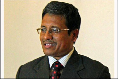 বিএসএমএমইউ'তে ভর্তি বিভাগীয় কমিশনার মাহমুদ হাসান