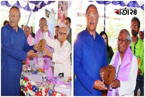 রাজশাহীতে আজিজুল হক ও আরিফ টিপুকে সংবর্ধনা