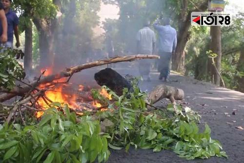 পুনরায় ভোট গণনার দাবি, গোপালগঞ্জে চলছে বিক্ষোভ