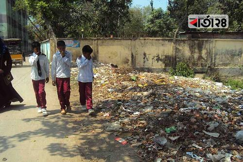 ময়লা-আবর্জনার শহর সাদুল্লাপুর