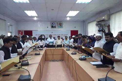 শপথ নিলেন খুলনা-যশোরের ১৬ উপজেলা চেয়ারম্যান