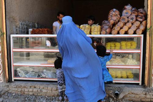 'নিশ্চয়ই ব্যবসায়ীরা কিয়ামতের দিন পাপী হিসেবে উঠবে'