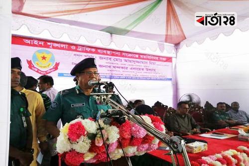 মাদকাসক্ত চালকদের হাতে গাড়ি তুলে দেবেন না: ডিএমপি কমিশনার