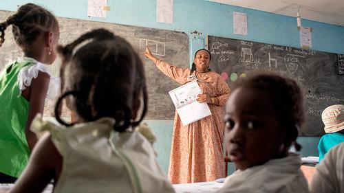 কমোরোসের অধিবাসীদের শিক্ষাজীবন শুরু হয় মাদ্রাসায়