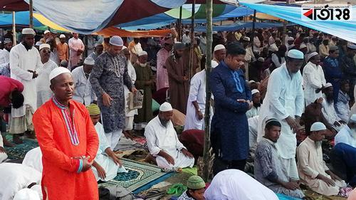 রংপুরে ইজতেমায় লাখো মুসল্লির জুমার নামাজ আদায়