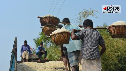 সংকট নয়, কক্সবাজারেই মজুদ আছে ৩ লাখ মেট্রিক টন লবণ
