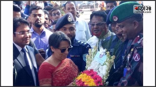 হিলি স্থলবন্দর পরিদর্শনে রিভা গাঙ্গুলি