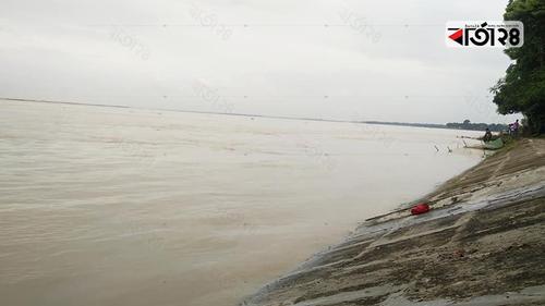বিপদসীমা অতিক্রম করেছে পদ্মার পানি