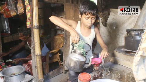 চার শিশুর সংসার: গৃহকর্তা ১২ বছরের আশিক