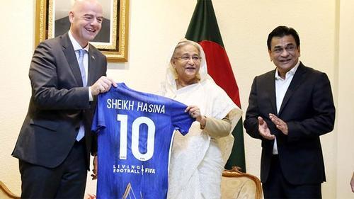 FIFA president calls on PM