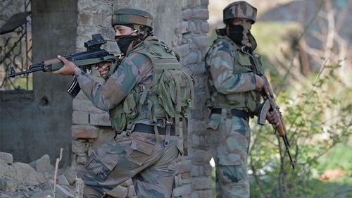 পাকিস্তানি সেনাদের গুলিতে ভারতীয় ২ সেনাসহ নিহত ৩
