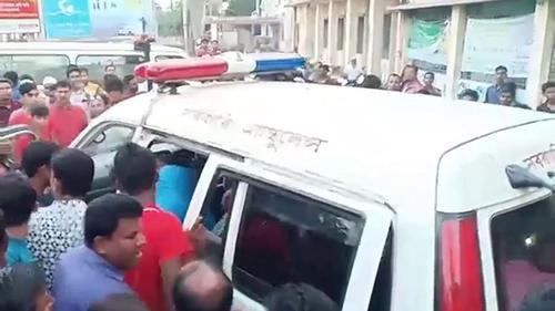 কোটালীপাড়ায় ইউপি চেয়ারম্যানসহ ৩ জনকে কুপিয়ে-পিটিয়ে আহত