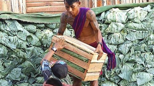 চীনে বৈধ পথে শ্রমিক পাঠাতে চায় মিয়ানমার