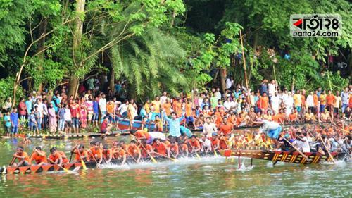 মুকসুদপুরে ঐতিহ্যবাহী নৌকা বাইচ প্রতিযোগিতা