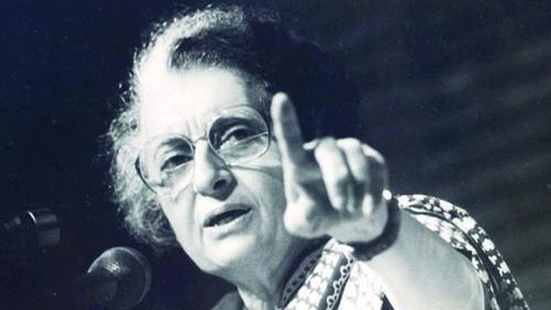 ইন্দিরা: নিঃসঙ্গতা থেকে রাজনীতির শীর্ষে