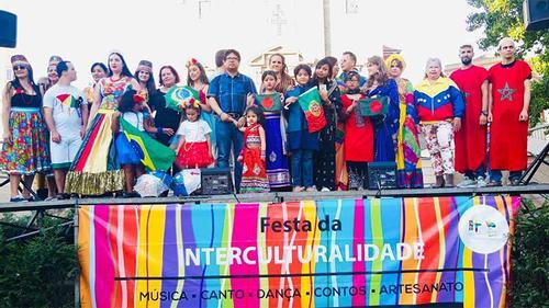 পোর্তোতে আন্তঃকালচারাল উৎসবে বাংলাদেশি পোশাকে ফ্যাশন শো