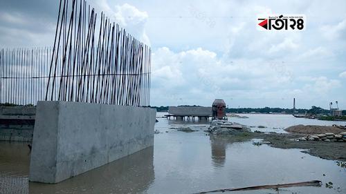 বারইপাড়া সেতু: নির্ধারিত সময়ে মাত্র দুটি পিলার নির্মাণ!