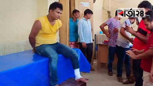 চাঁপাইনবাবগঞ্জে 'বন্দুকযুদ্ধে' ১৭ মামলার আসামি আহত