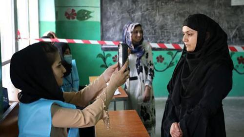 কড়া নিরাপত্তায় আফগানিস্তানে ভোট গ্রহণ