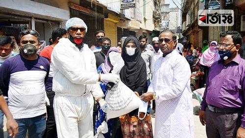 রংপুরে ৪০০ নারী শ্রমিককে খাদ্য সহায়তা
