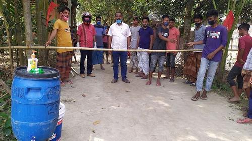 হাত ধোয়া ছাড়া মহদীপুর গ্রামে প্রবেশ নিষেধ