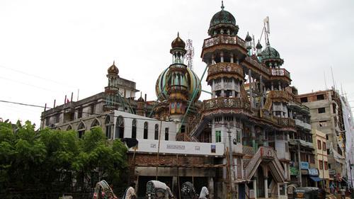 দেড়শ বছরের চন্দনপুরা তাজ মসজিদ চট্টগ্রাম