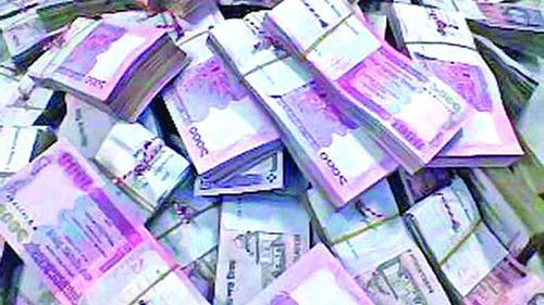 আত্মসাতের ৭ কোটি টাকা ফেরত দিলেন ব্যাংক কর্মকর্তা