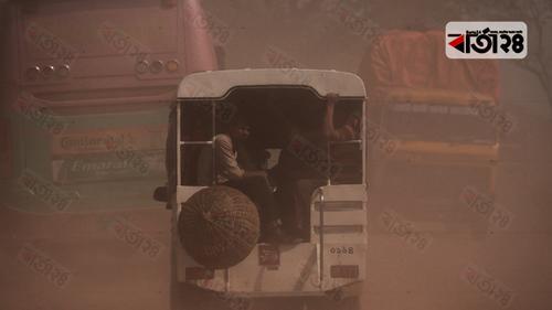 ধুলায় ধূসর যশোর-বেনাপোল মহাসড়ক