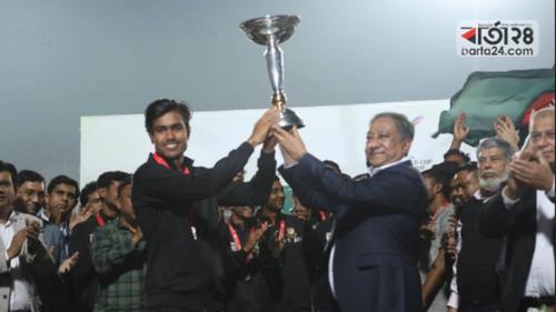 এক লাখ টাকা বেতন পাবেন বিশ্বকাপ জয়ী ক্রিকেটাররা