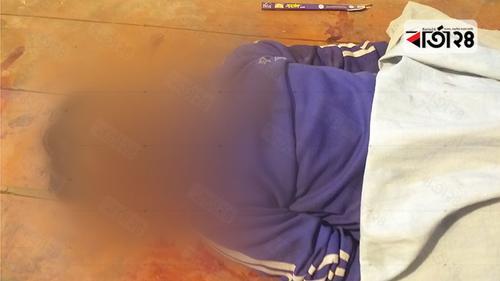 ট্রাকের পেছনে বাসের ধাক্কা, হেলপার নিহত