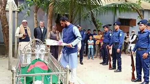 বীর মুক্তিযোদ্ধা আব্দুল আজিজের রাষ্ট্রীয় মর্যাদায় দাফন