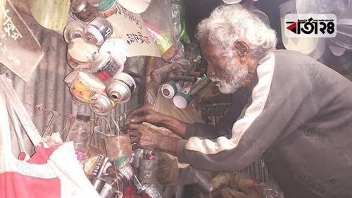 প্রযুক্তি কেড়ে নিয়েছে মদন বাবুর কুপির আলো