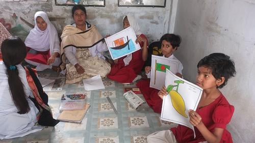 মাদারীপুরে প্রতিবন্ধী শিক্ষার্থীদেরচিত্রাঙ্কন প্রতিযোগিতা