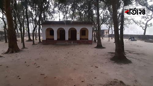 নওগাঁর সব উপজেলায় ডাকবাংলো থাকলেও উপেক্ষিত মান্দা
