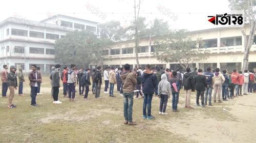 রাজবাড়ীতে ঠাণ্ডায় স্কুলে শিক্ষার্থীদের উপস্থিতি কমেছে