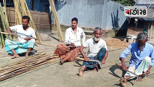বড়শির ছিপ তৈরির গ্রাম লামাপাড়া