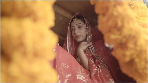 ১৫ বছর পর আবার সোহাগের 'লাল শাড়ি পরিয়া কন্যা'