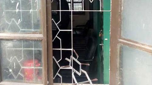 ধামইরহাটে সরকারি ৭ অফিস চুরির ঘটনায় গ্রেফতার ৮