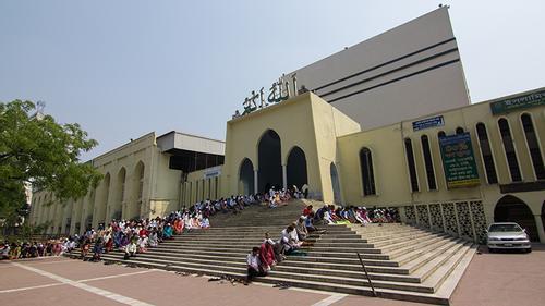 সাড়ে ৪ বছর খতিবহীন জাতীয় মসজিদ