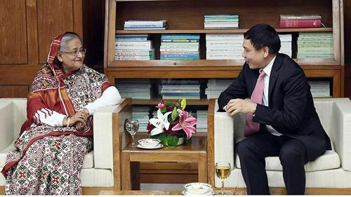 PM stresses on strengtheningBangladesh-Hanoirelation