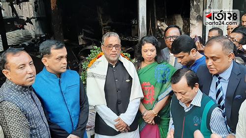 মৌলভীবাজারে অগ্নিকাণ্ডে ৫ জন নিহত: অনুদান দিলেন পরিবেশমন্ত্রী