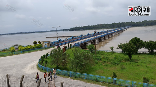 Red alert at Teesta barrage, people asked to move from the area