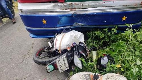 মানিকগঞ্জে বাসচাপায় মোটরসাইকেল চালক নিহত
