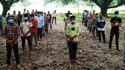 চাঁপাইনবাবগঞ্জে মাস্ক না পরায় ৪০ জনকে জরিমানা
